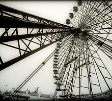 Ferris wheel by Manfred Belau