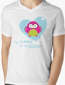 OWL SERIES :: heart - mummy is a hoot 4 Mens V-Neck T-Shirt