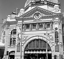 Flinders Street Station by DonovanTM