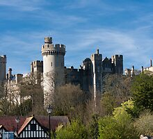 Arundel Castle, Sussex, UK by Kevin  Poulton