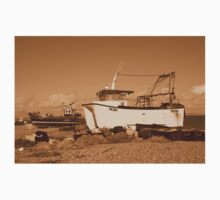 Dungeness boats, England Kids Tee