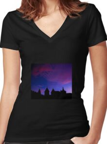 Red and blue sky Women's Fitted V-Neck T-Shirt