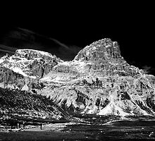 Lavaredo Three Peaks - a tour and a detour. by coveredinice