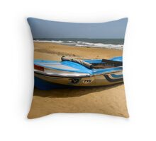 BEACH AND BOAT. SRI LANKA. Throw Pillow