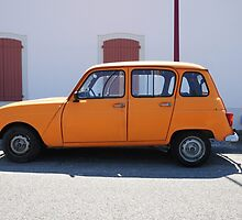 "Renault 4, ""Quatrelle"" Orange by Hans Kool"