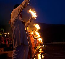 Rishikesh: The Arti by Dinni H