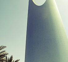 Kingdom Tower - Riyadh, Saudi Arabia by Karen Field
