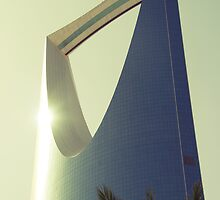 Kingdom Tower - Riyadh, Saudi Arabia by Karen Field
