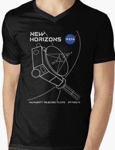 New Horizons -- Humanity Reaches Pluto 07142015 Mens V-Neck T-Shirt
