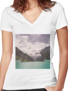∆ I Women's Fitted V-Neck T-Shirt