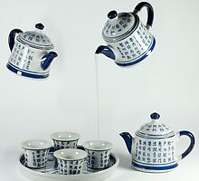 ....flying teapots!! by Luciano Fortini