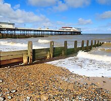 Cromer Pier  UK  by chris2766