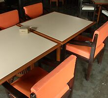 dinning table by bayu harsa