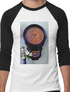 The Olde Dogwood Clock Men's Baseball ¾ T-Shirt