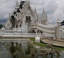 Wot Rong Khun by Lois Romer