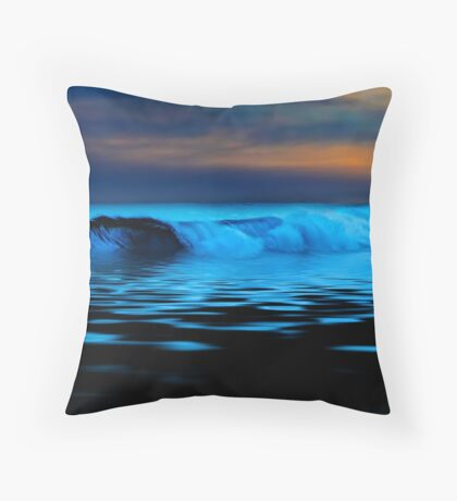 Esperance Wave Throw Pillow