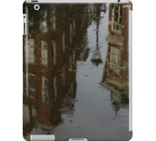 Starting to Rain - Amsterdam Canal Houses Reflected iPad Case/Skin