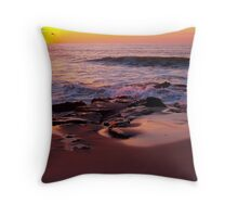 morning waves on the jersey shore Throw Pillow