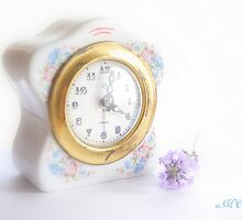 Grandma's clock by aMOONy