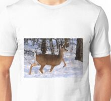 WHITETAIL DOE ON THE MOVE... Unisex T-Shirt