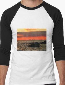 OMINOUS CLOUDS ON LAKE WINNIPEG Men's Baseball ¾ T-Shirt