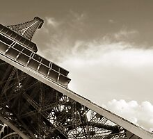 Eiffel tower, Paris by Simona  Barbu