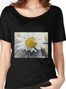 Delicate daisy Women's Relaxed Fit T-Shirt