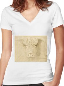Portrait of a Highland Cow Women's Fitted V-Neck T-Shirt