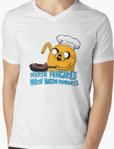 MAKIN' PANCAKES, MAKIN' BACON PANCAKES. Mens V-Neck T-Shirt