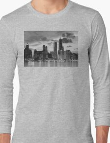 Chicago skyline in black and white Long Sleeve T-Shirt