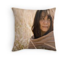 La Bunyo in the park Throw Pillow