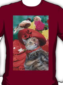 PRINCESS TATUS CAT,RED HAT AND PIGEON  T-Shirt