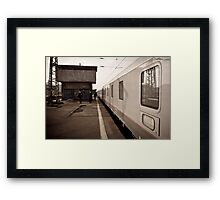 wINTER wAITING wARSAw Framed Print
