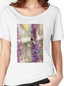Bee!  Women's Relaxed Fit T-Shirt
