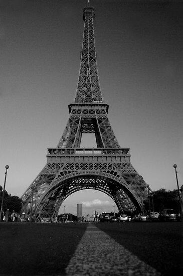 Madame Eiffel by retsilla