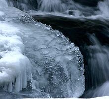 Frozen stream by jstoeber