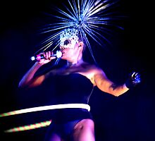 Grace Jones Hoolahooping by Ola Solanke