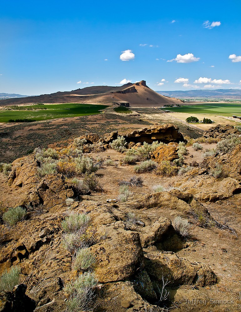 Petroglyph bluff ridge by Jeffrey  Sinnock