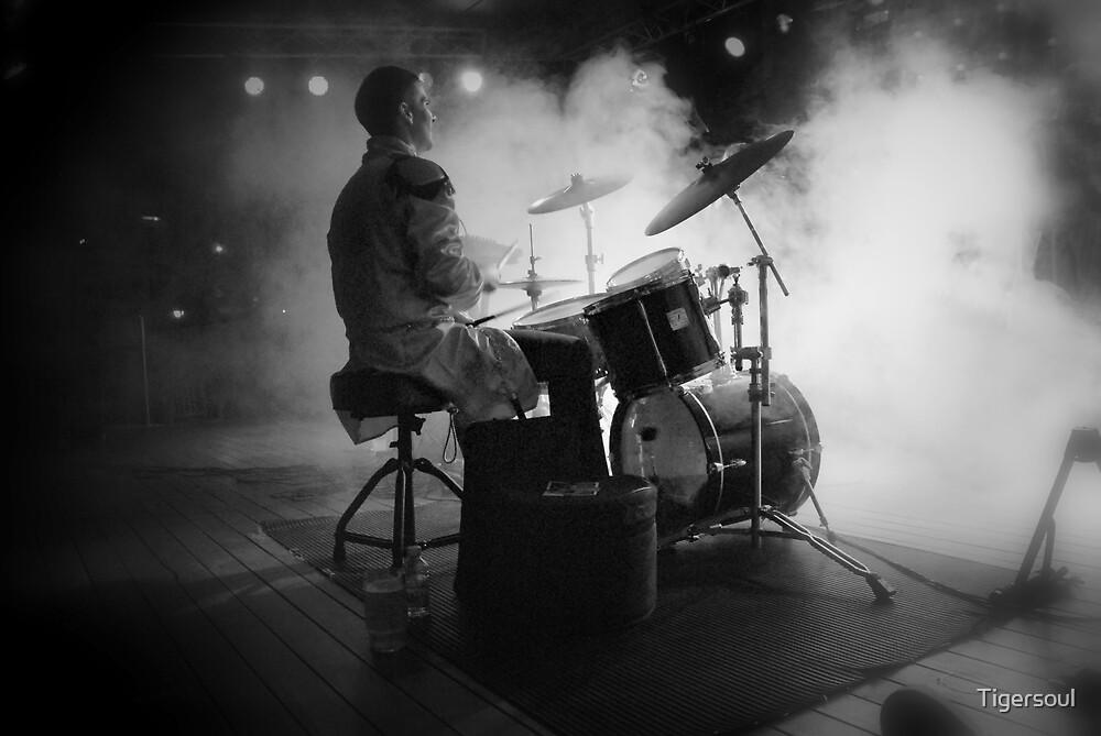 Smokin' drummer! by Tigersoul