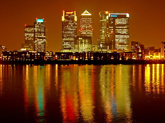 London Skyline Colors - Canary Wharf, north Greenwich by DavidGutierrez
