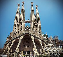 La Sagrada Familia by smilyjay