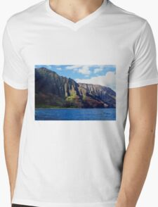 Blue Pacific and Rugged Na Pali Coastline of Kauai Hawaii Mens V-Neck T-Shirt