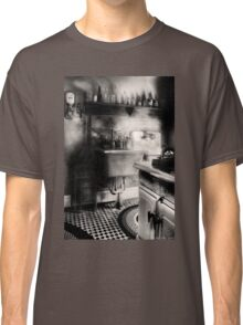 Old time kitchen Classic T-Shirt