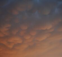 Mammatus Clouds by mikrin