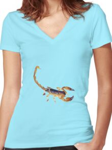 Scorpion ready to sting Women's Fitted V-Neck T-Shirt