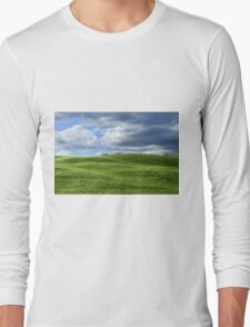 Green hills in Tuscany Long Sleeve T-Shirt