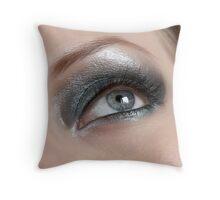 Beauty eye Throw Pillow