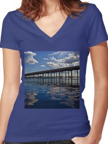 Charlotte Harbor Women's Fitted V-Neck T-Shirt