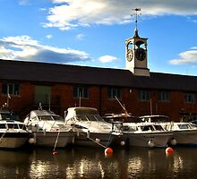 Boats at Stourport Basins by Rob Hawkins