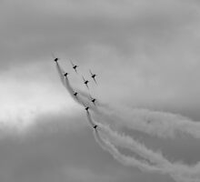 Red Arrows 4 by purpleminx